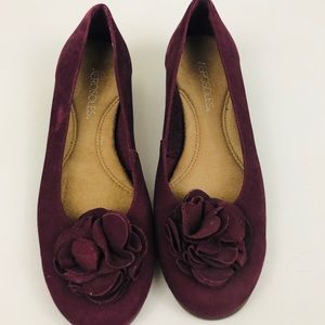 Aerosoles Plum Purple Flats Flower Detail Size 7